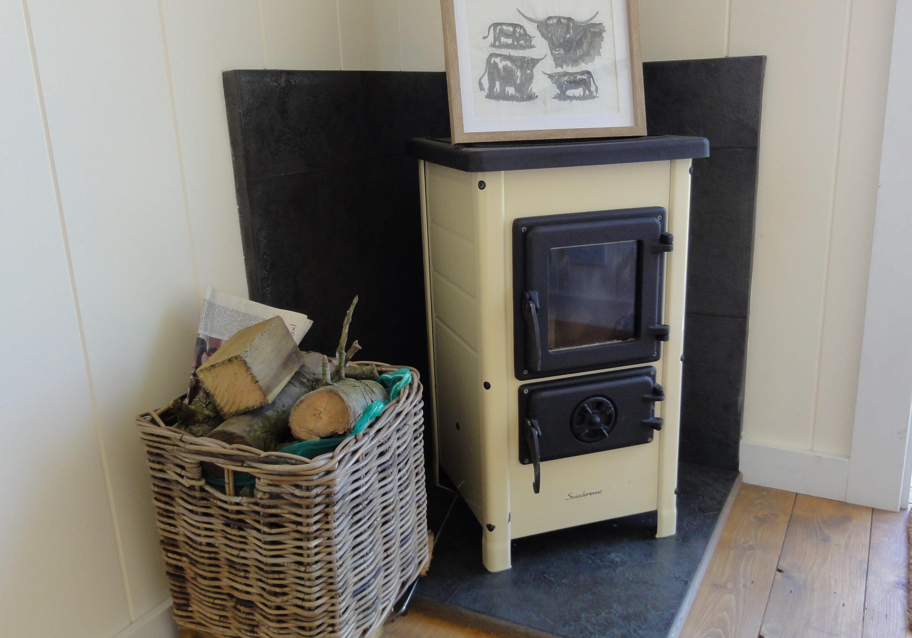 Log Burner - Shepherd's Hut